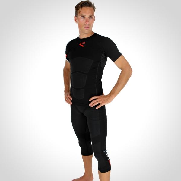 sæt EKOI RUN 3/4 lange bukser og trøje m. korte ærmer sort